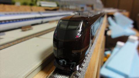 KATO E655系 なごみ と 室内灯クリア電球色